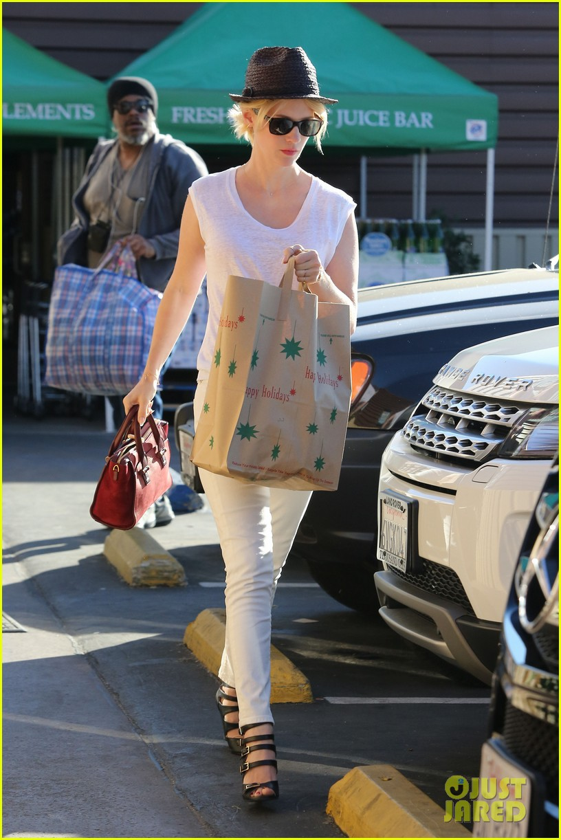 january jones vision in white for shopping trip 17