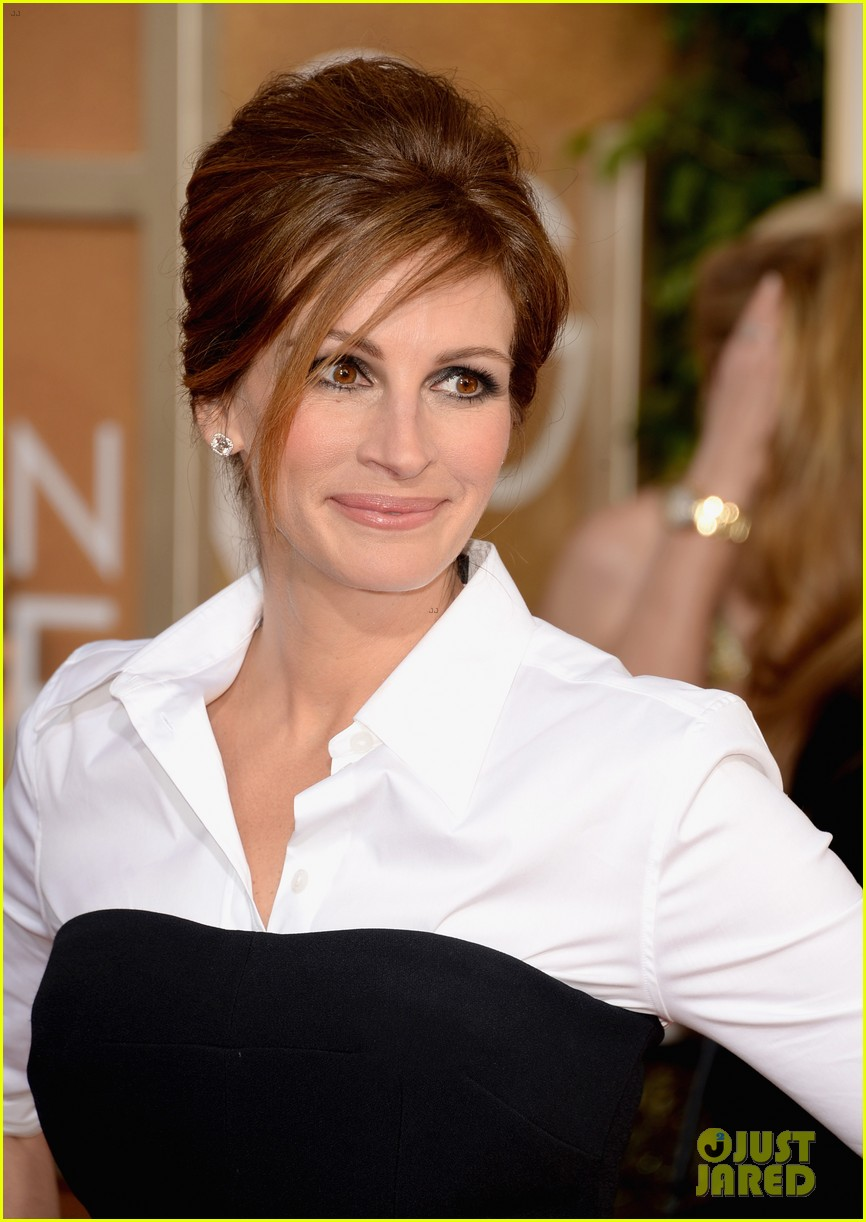 julia roberts golden globes 2014 red carpet 05