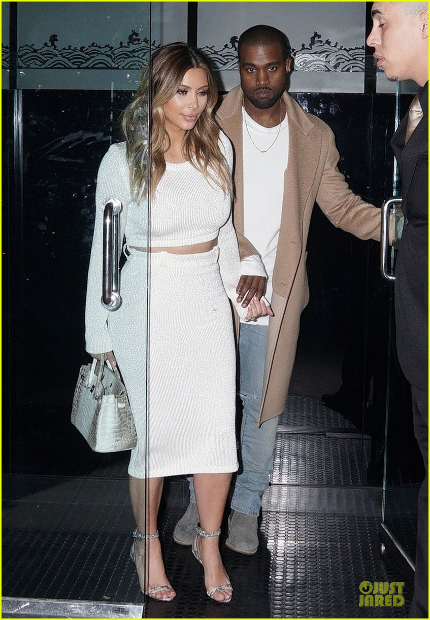 kim kardashian bares midriff for dinner with kanye west 07