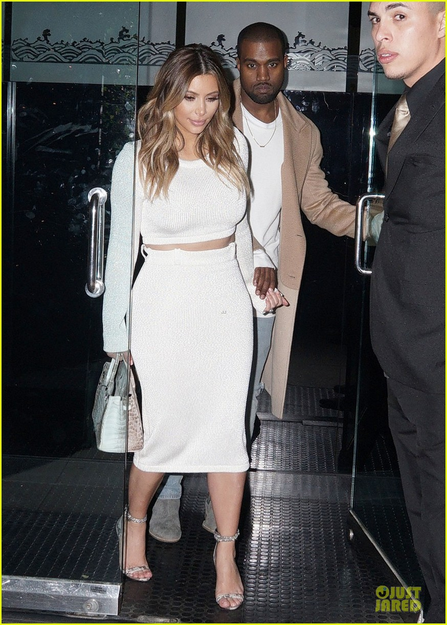 kim kardashian bares midriff for dinner with kanye west 08