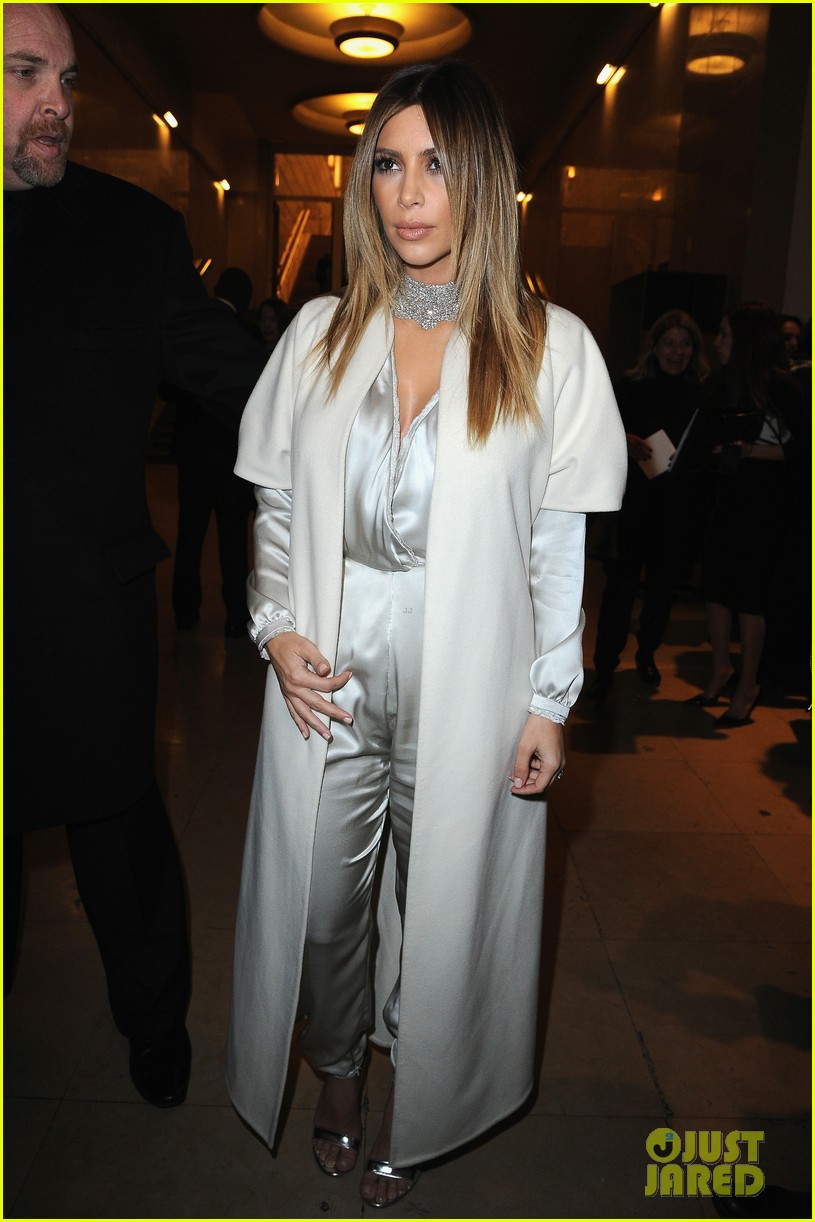 kim kardashian stephane roland fashion show 15