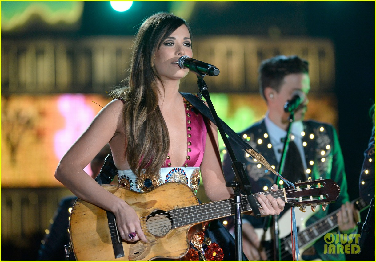 kasey musgraves follow your arrow grammys 2014 05