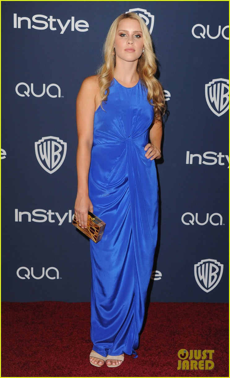 kat graham sheer golden globes claire holt 03