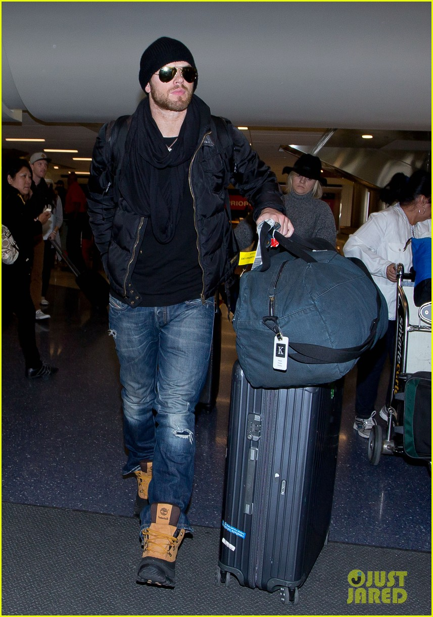 kellan lutz back in la after sundance 013038557