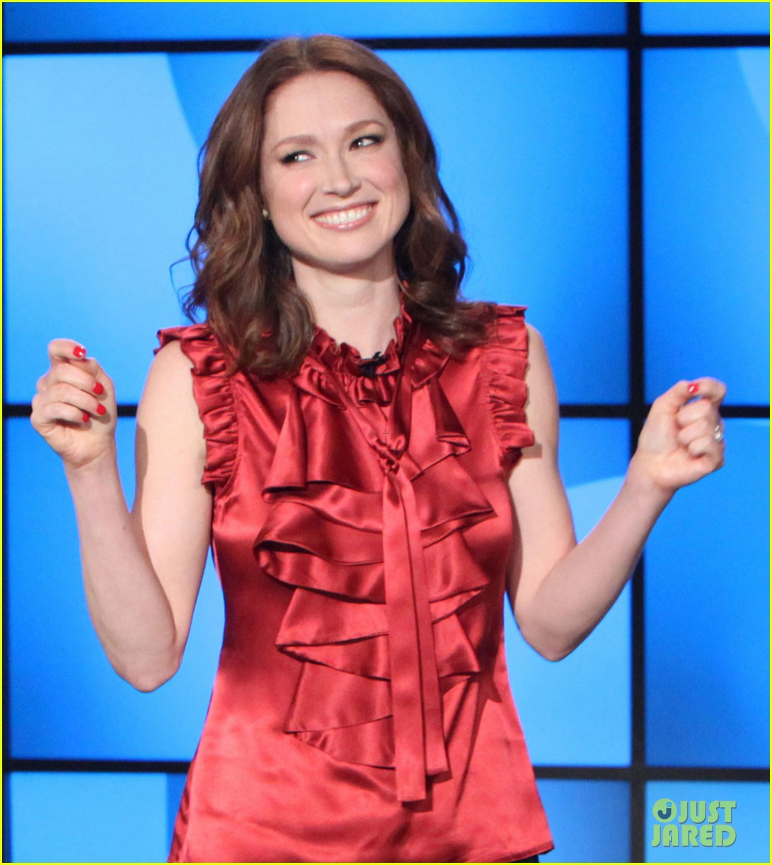 ellie kemper fills in for ellen degeneres as talk show host 05