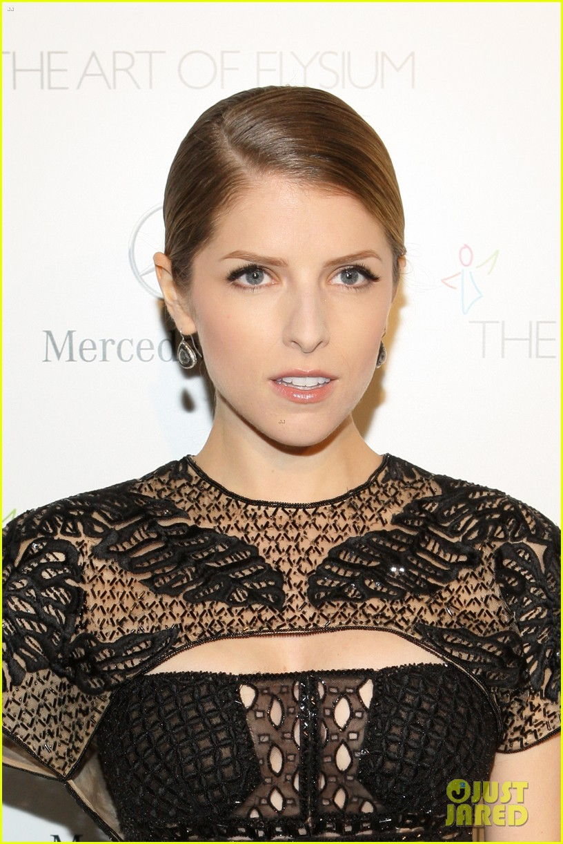 anna kendrick gillian jacobs art of elysium heaven gala 09