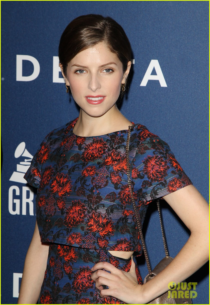 anna kendrick ashley benson delta airlines pre grammy party 06