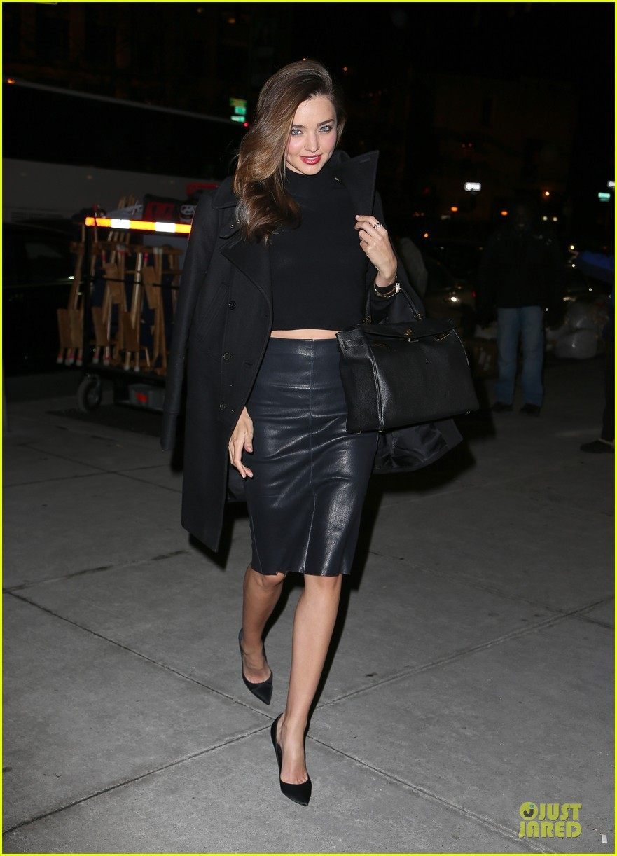 miranda kerr bares midriff to wrap up january 033045205