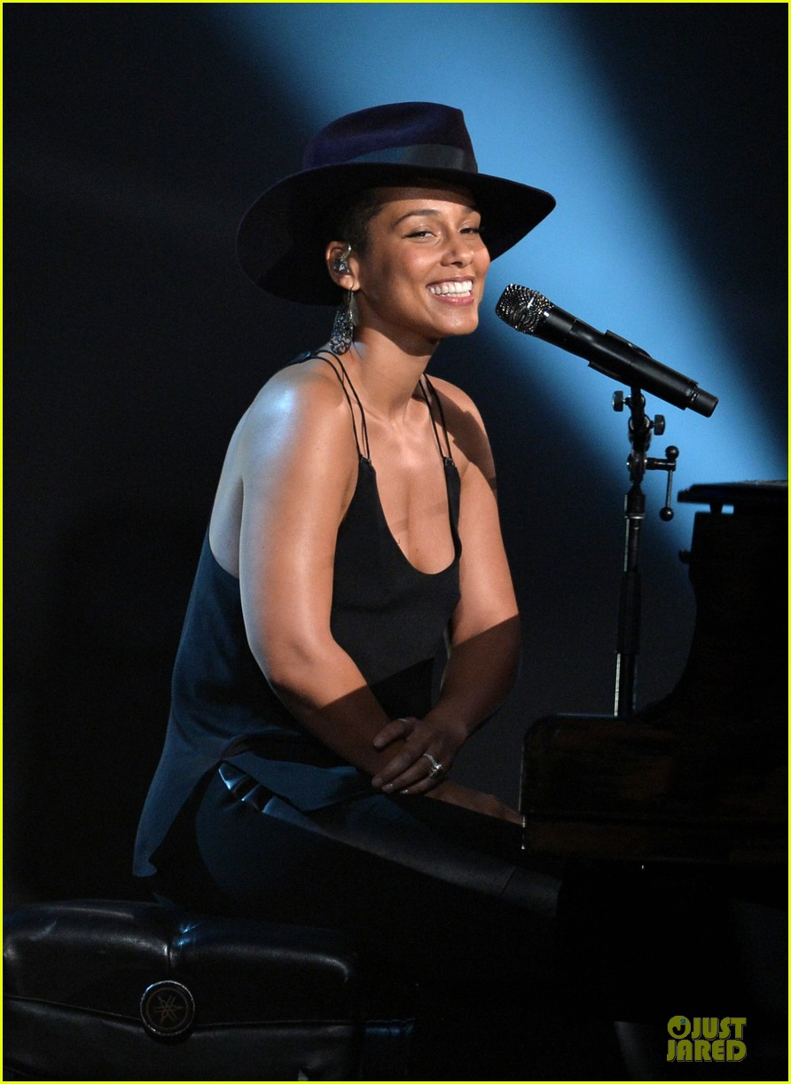 alicia keys john legend beatles tribute performers 153042590