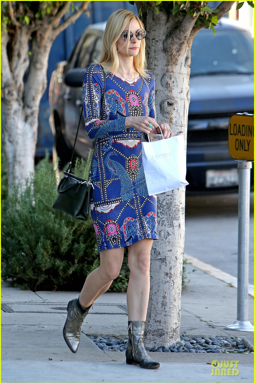 jaime king family lunch after friday gifting suite stop 23