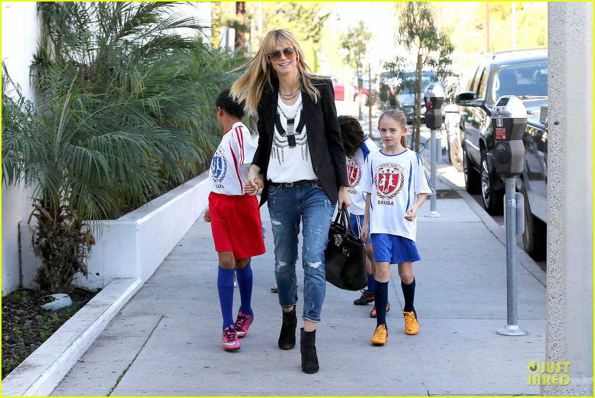 heidi klum grabs coffee before jag gym stop with the kids 08