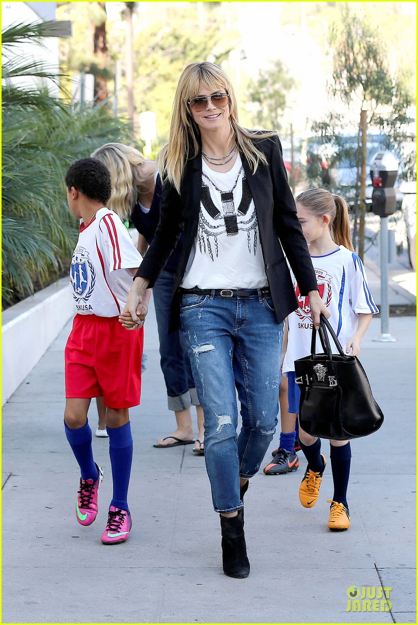 heidi klum grabs coffee before jag gym stop with the kids 09