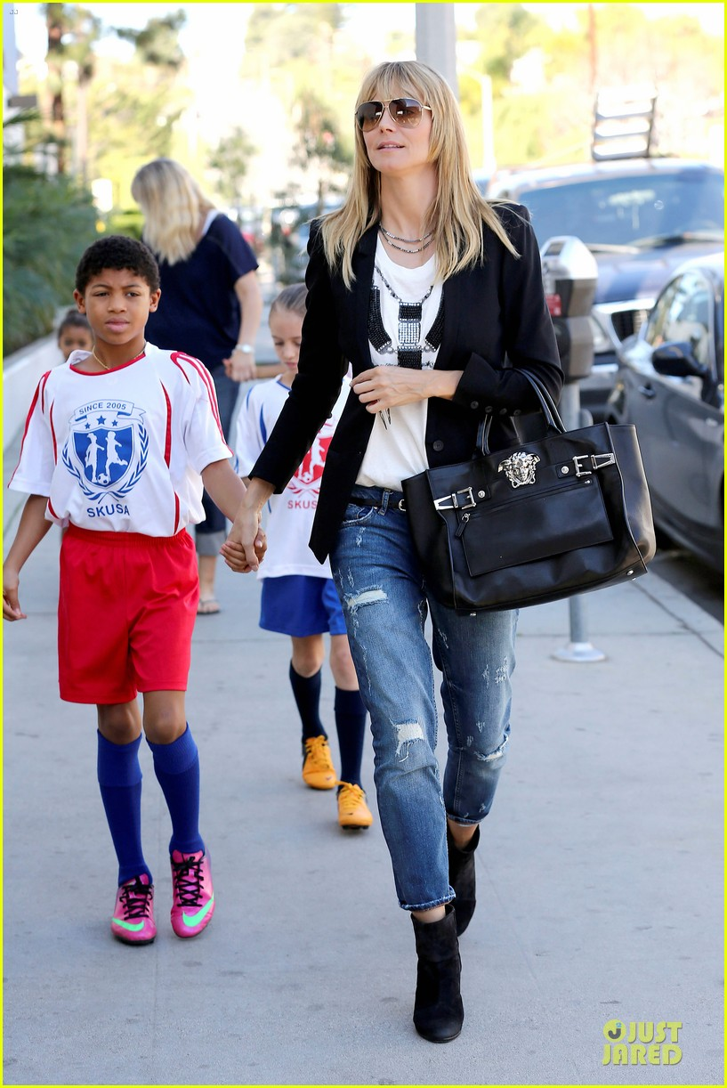heidi klum grabs coffee before jag gym stop with the kids 11