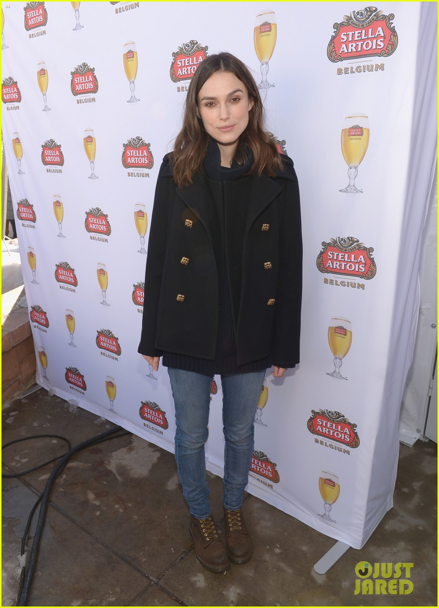 keira knightley visits stella lounge before leaving sundance 01