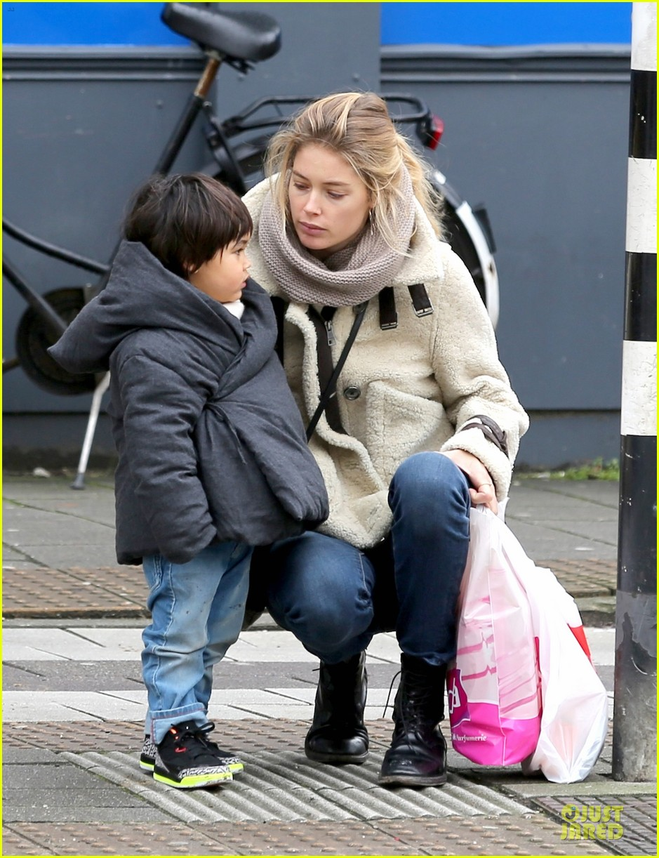 doutzen kroes netherlands shopping with phyllon 17