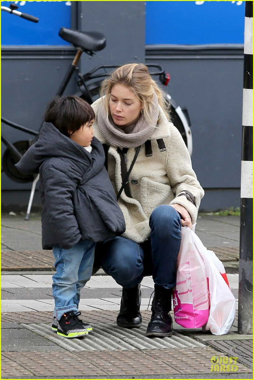 doutzen kroes netherlands shopping with phyllon 18