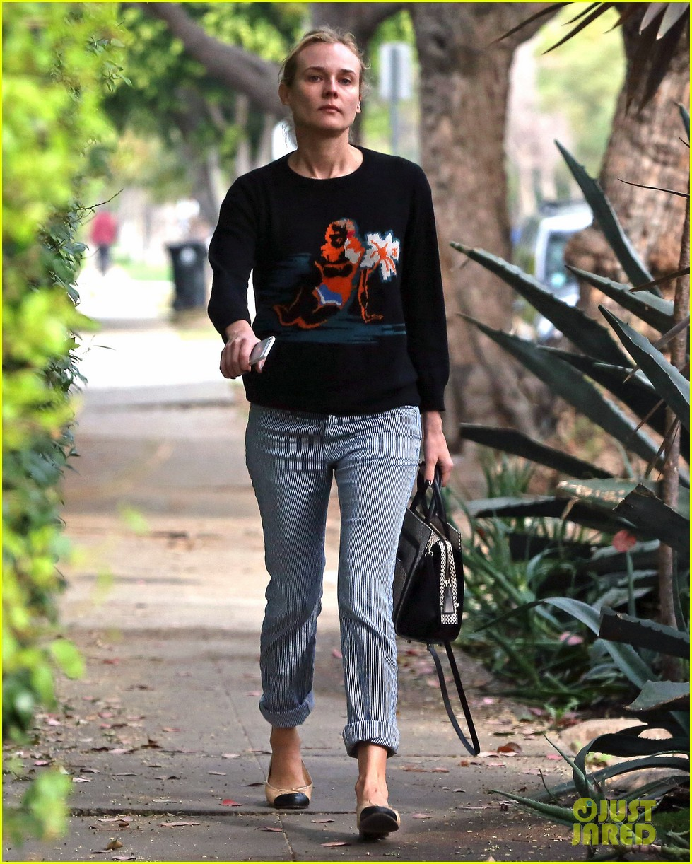 diane kruger wears no makeup looks fresh faced for errand run 013044878