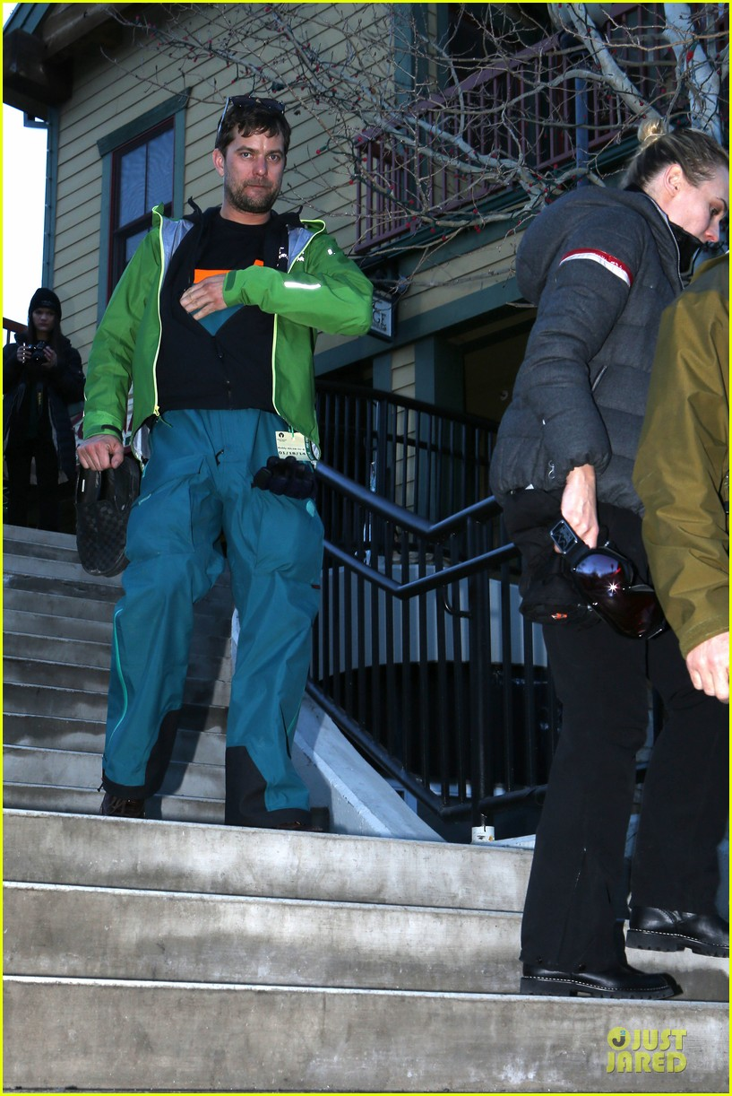 diane kruger joshua jackson skiing pair in park city 05