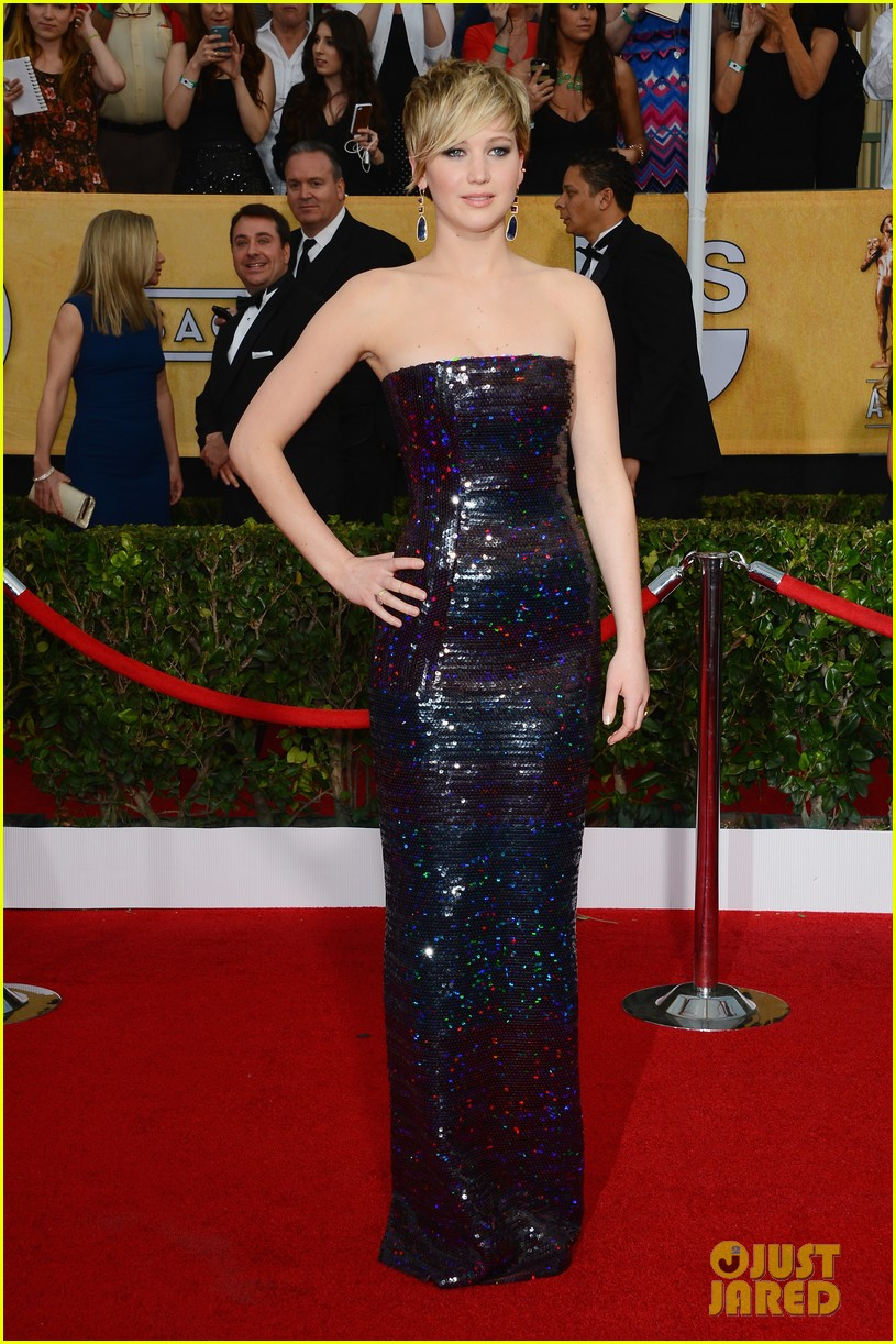 jennifer lawrence sag awards 2014 red carpet 033034662