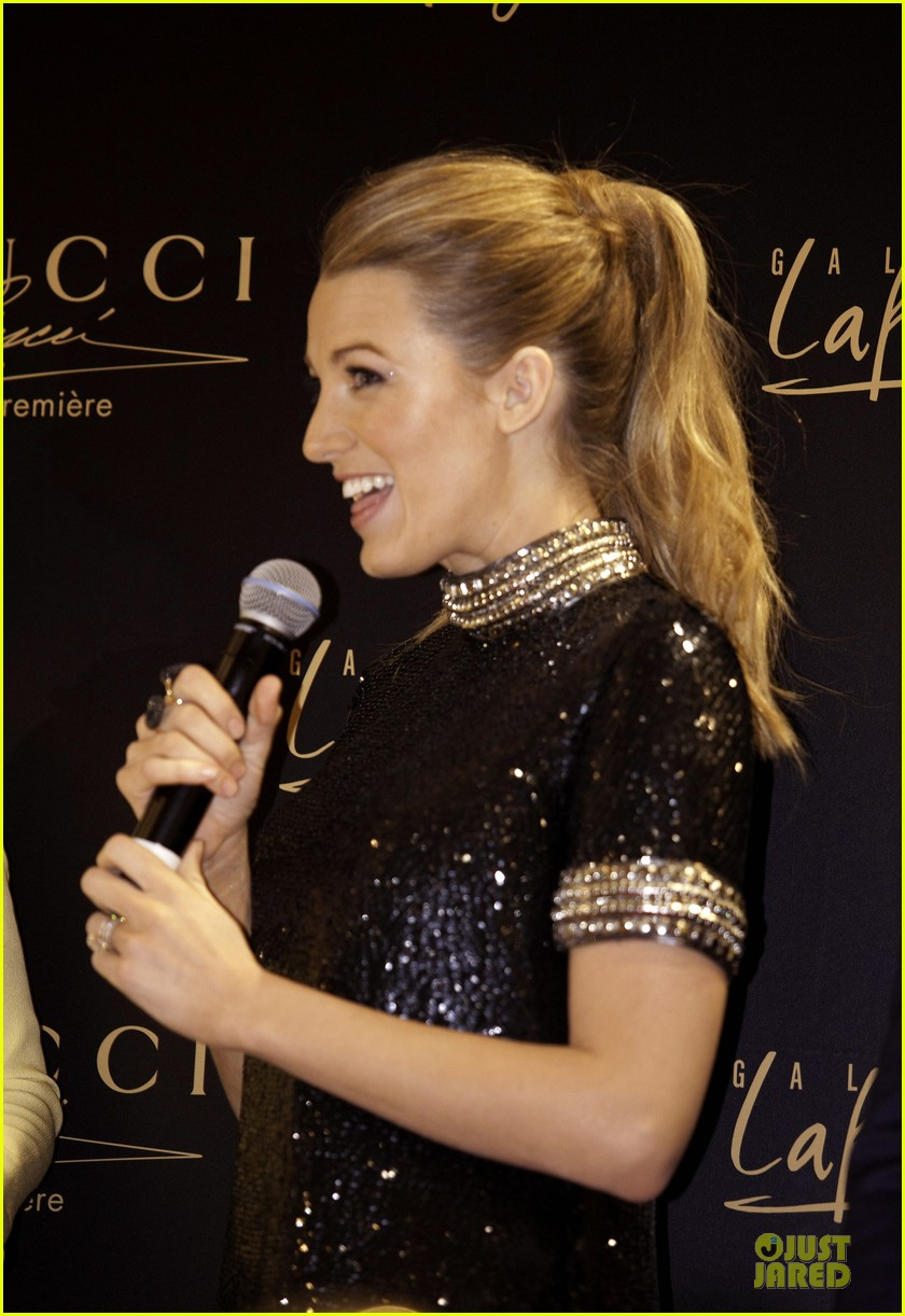 blake lively gucci premiere photo call 14