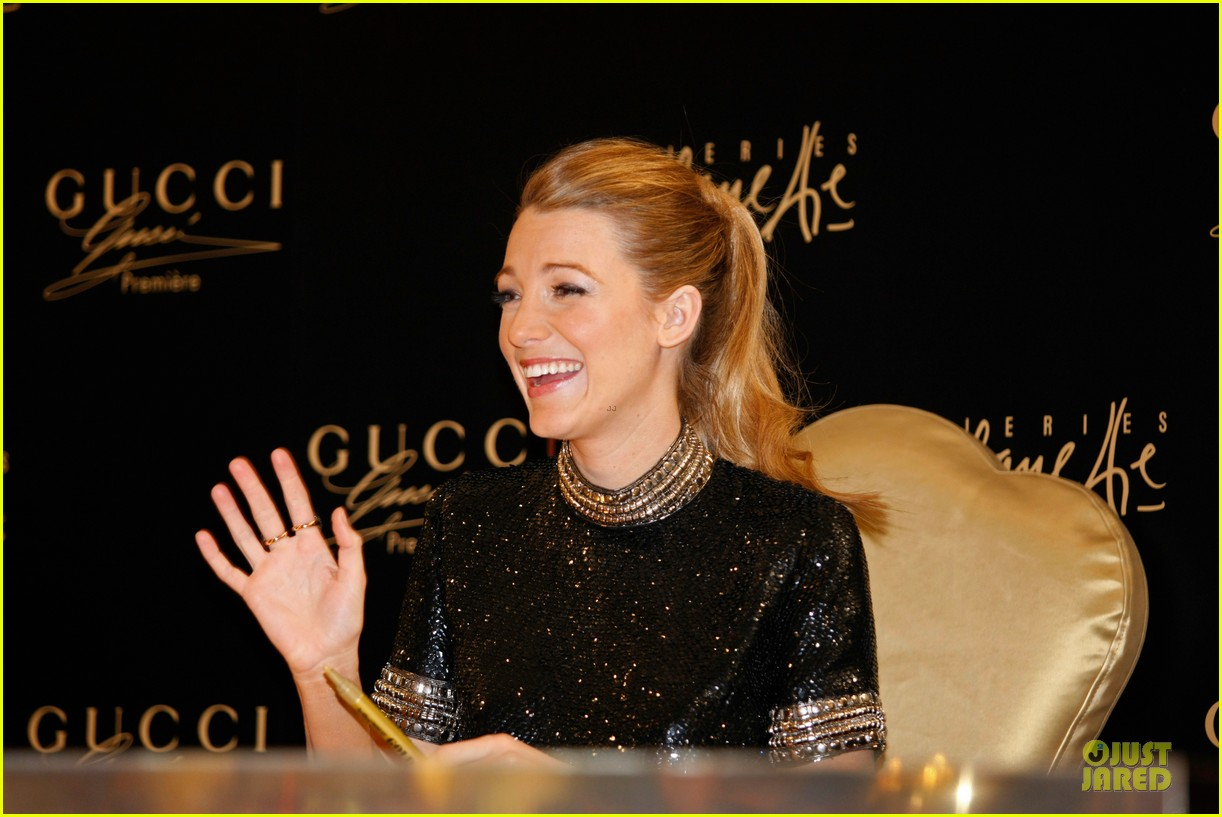 blake lively gucci premiere photo call 15