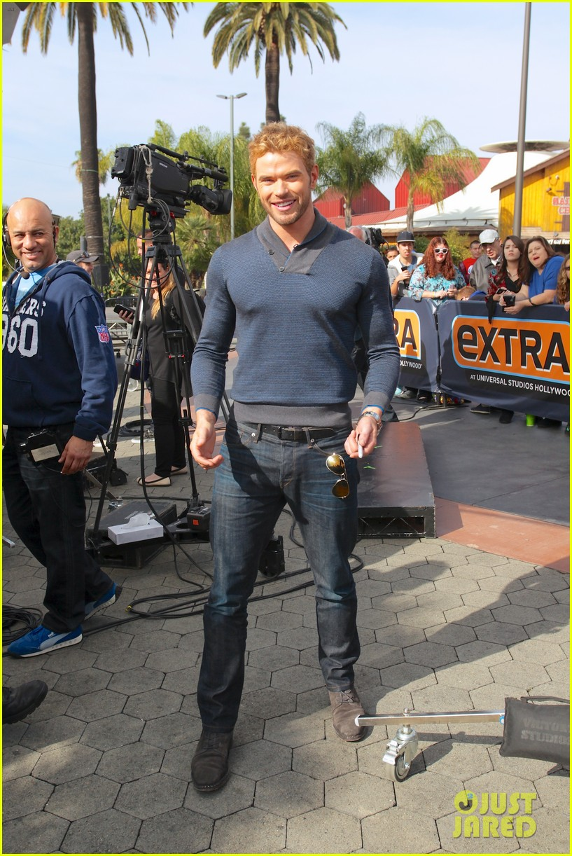kellan lutz shows off underwear during hercules interview 183026647
