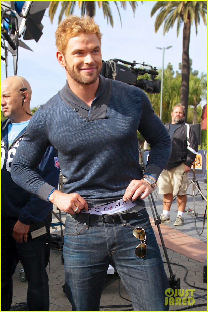 kellan lutz shows off underwear during hercules interview 23