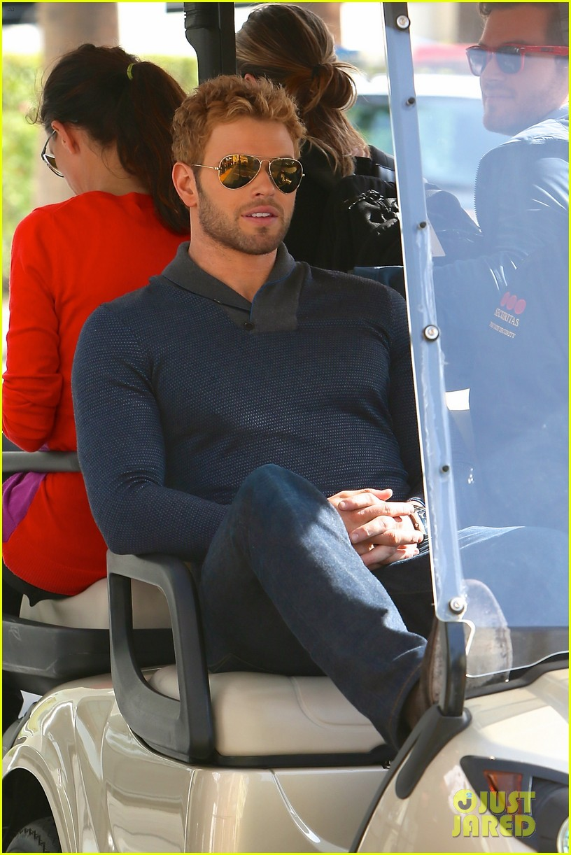 kellan lutz shows off underwear during hercules interview 24