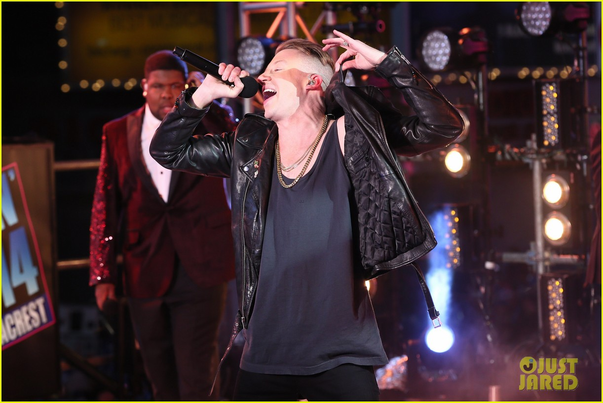 macklemore ryan lewis new years eve 2014 performance watch 013020932