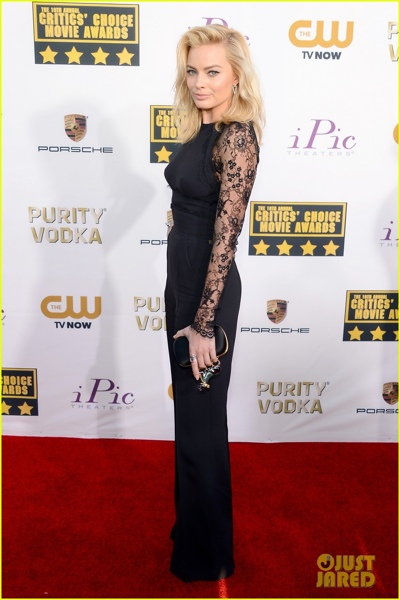 margot robbie critics choice movie awards red carpet 2014 013032873