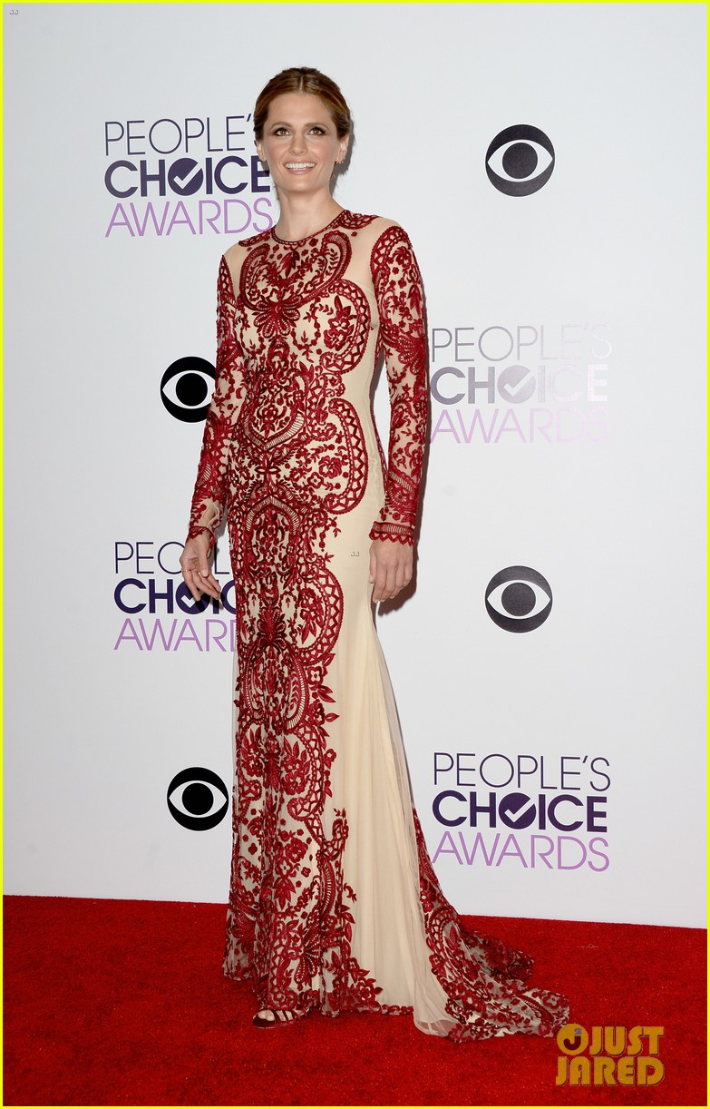 julianna margulies stana katic peoples choice awards 2014 01