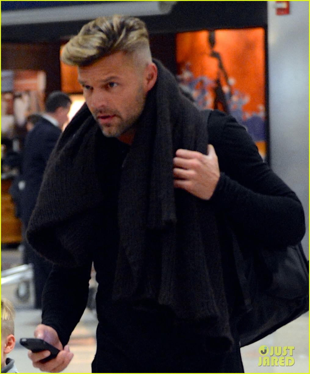 ricky martin steps out wi