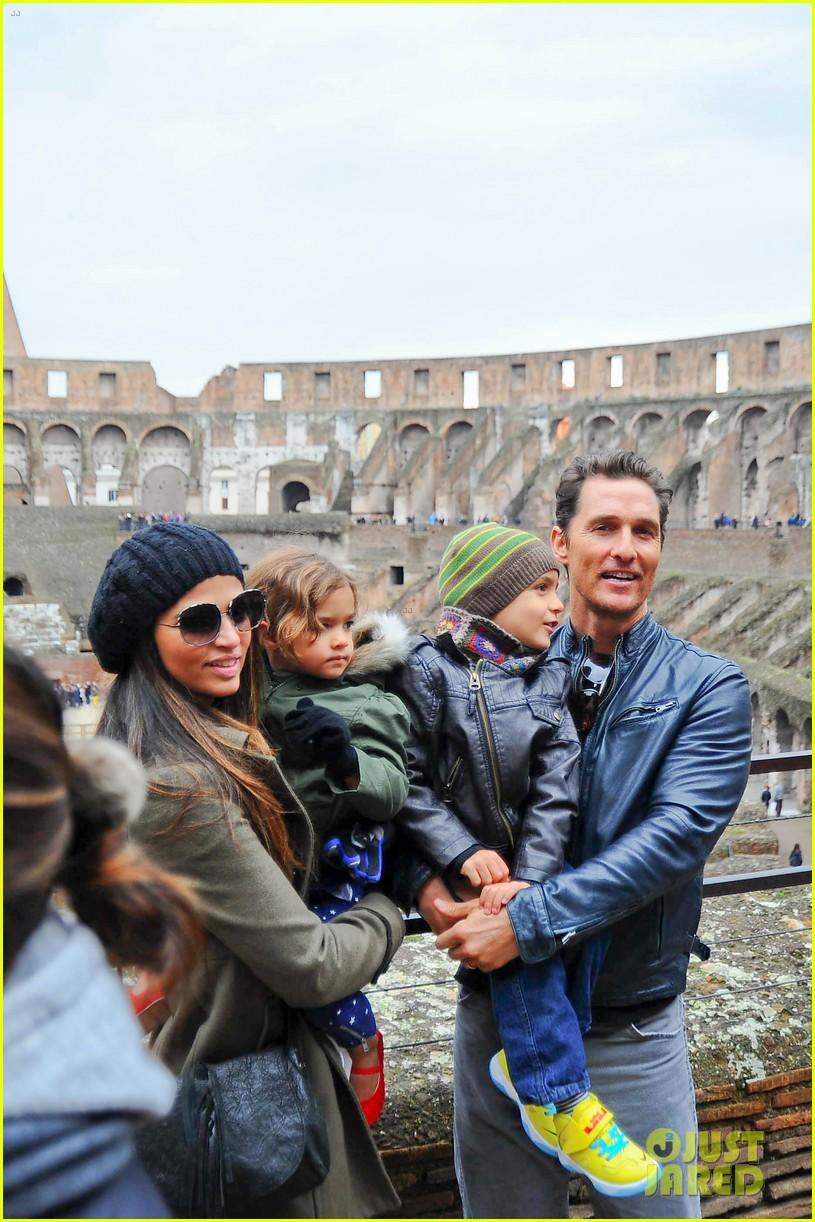 matthew mcconaughey camila alves rome sightseeing levi vida 143040743