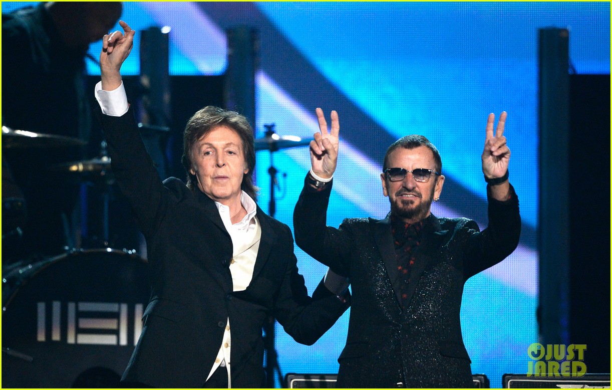 paul mccartney ringo starr reunite at grammys 2014 video 17
