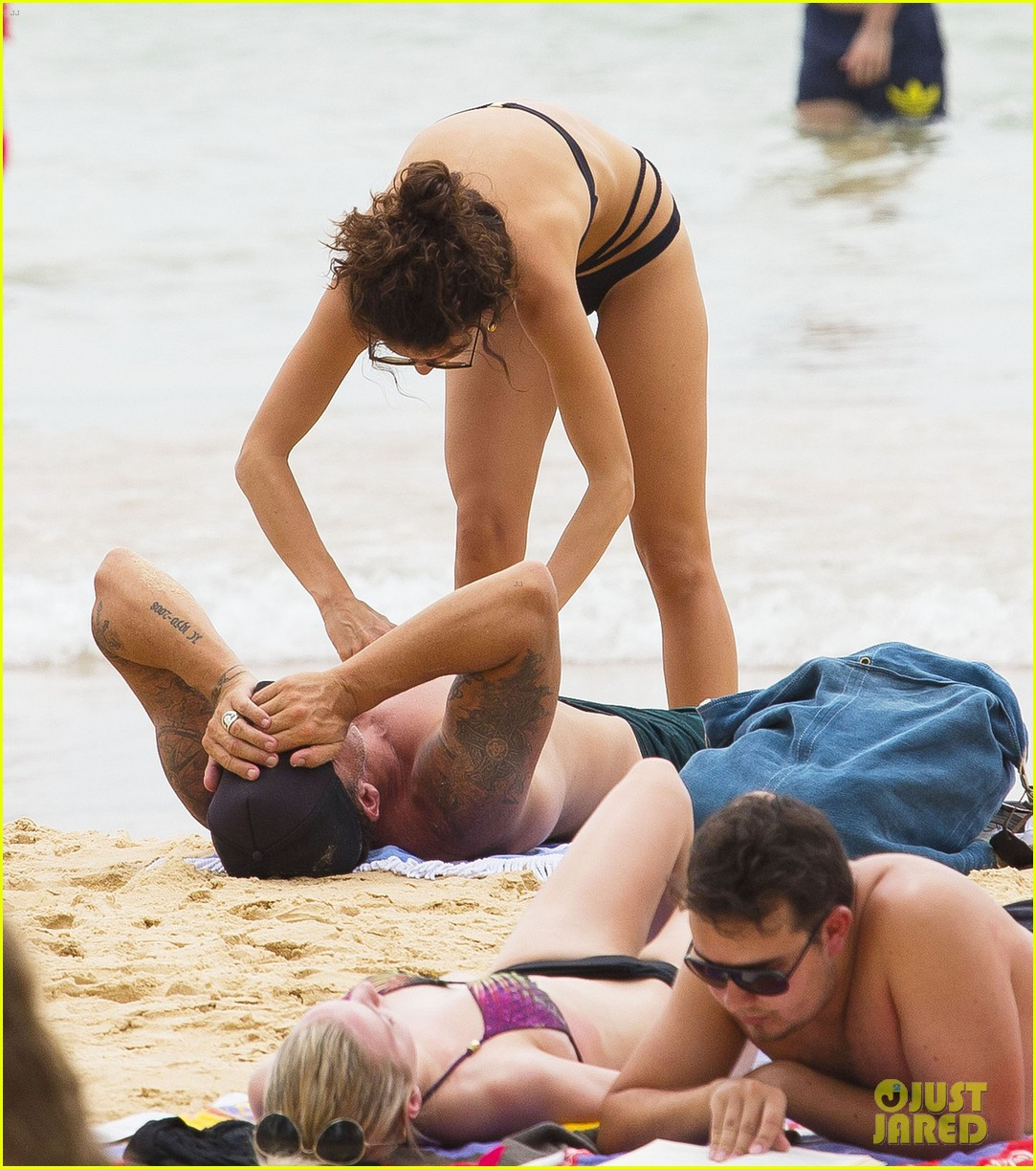 annalynne mccord bikini beach babe with shirtless dominic purcell 033021347