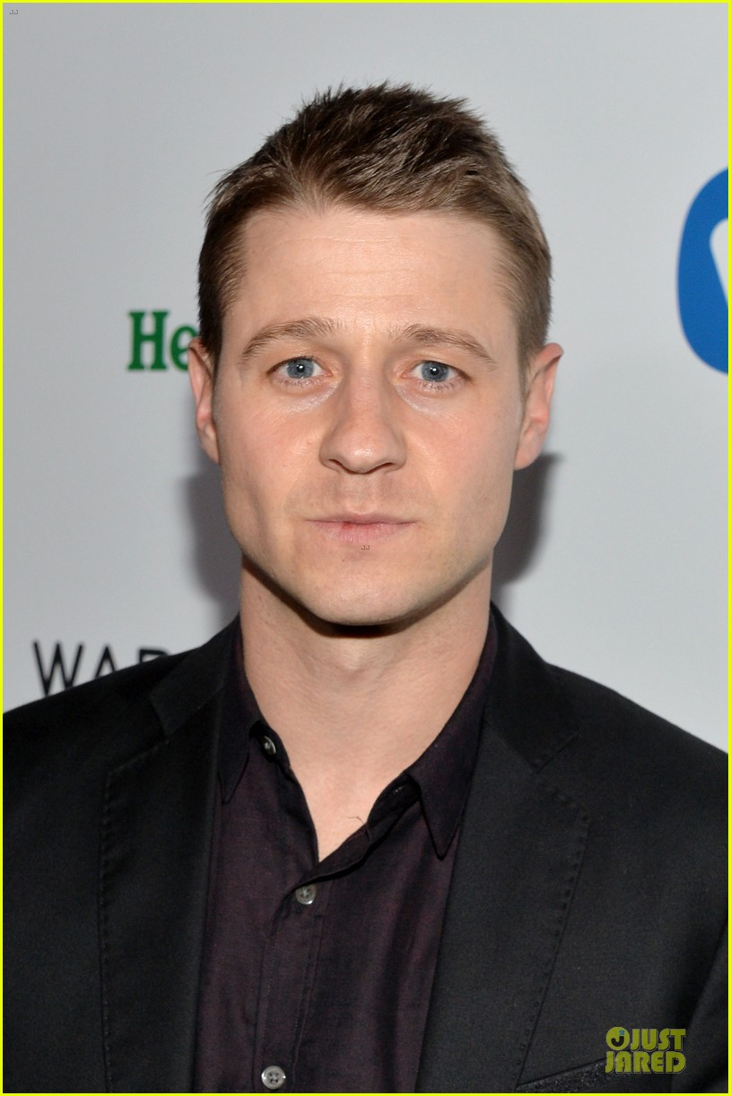ben mckenzie miles teller warner music group grammys 2014 after party 04
