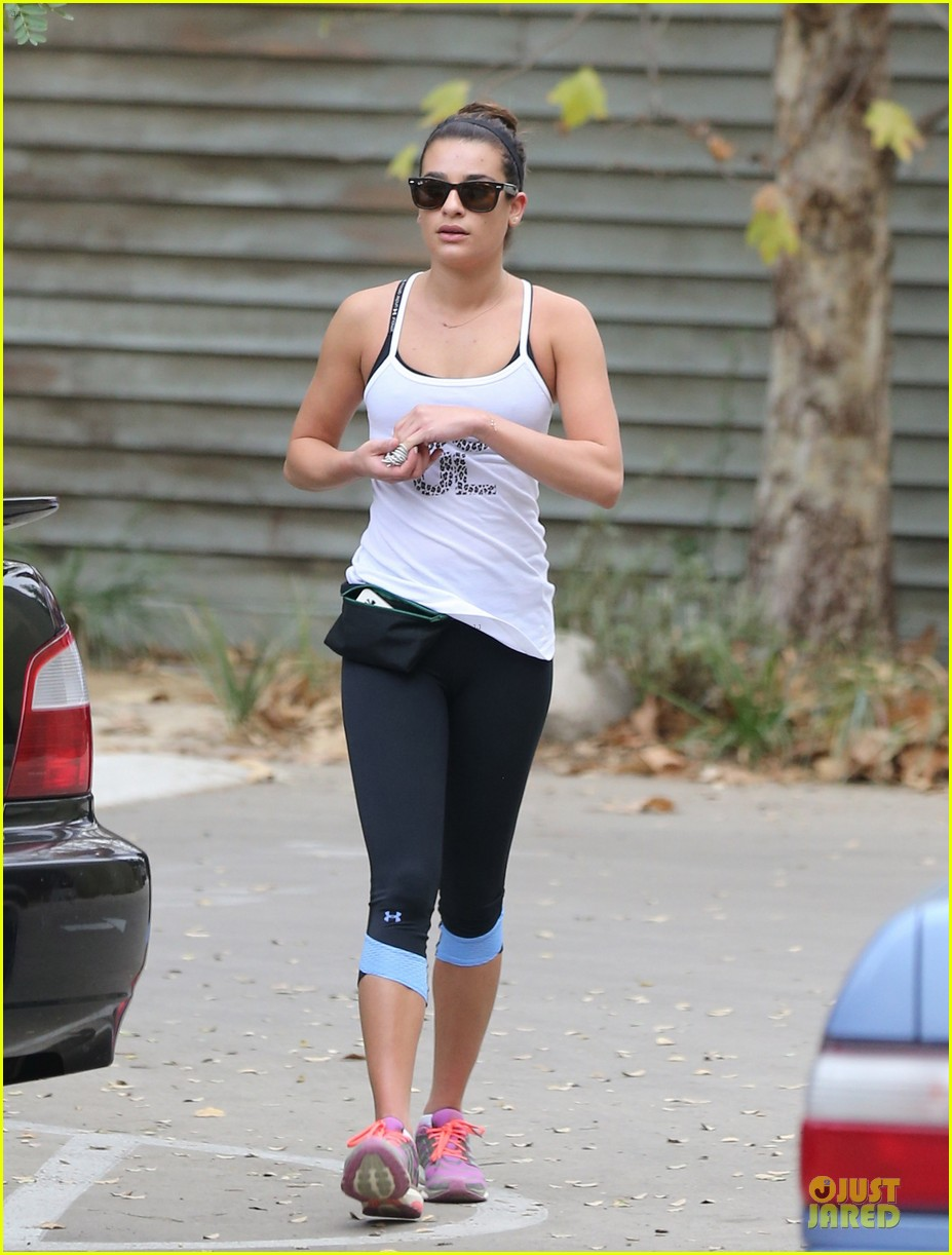 lea michele jogs before glee rehearsal with gwyneth paltrow 203037333