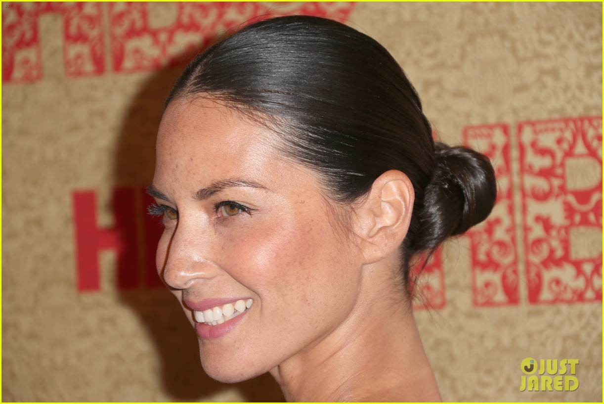olivia munn hbo golden globes after party 2014 02