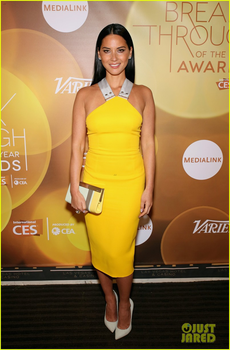 olivia munn presented variety award by aaron sorkin 01