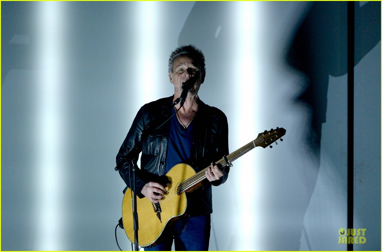 nine inch nails queens of stone age perform at grammys 2014 video 093041742