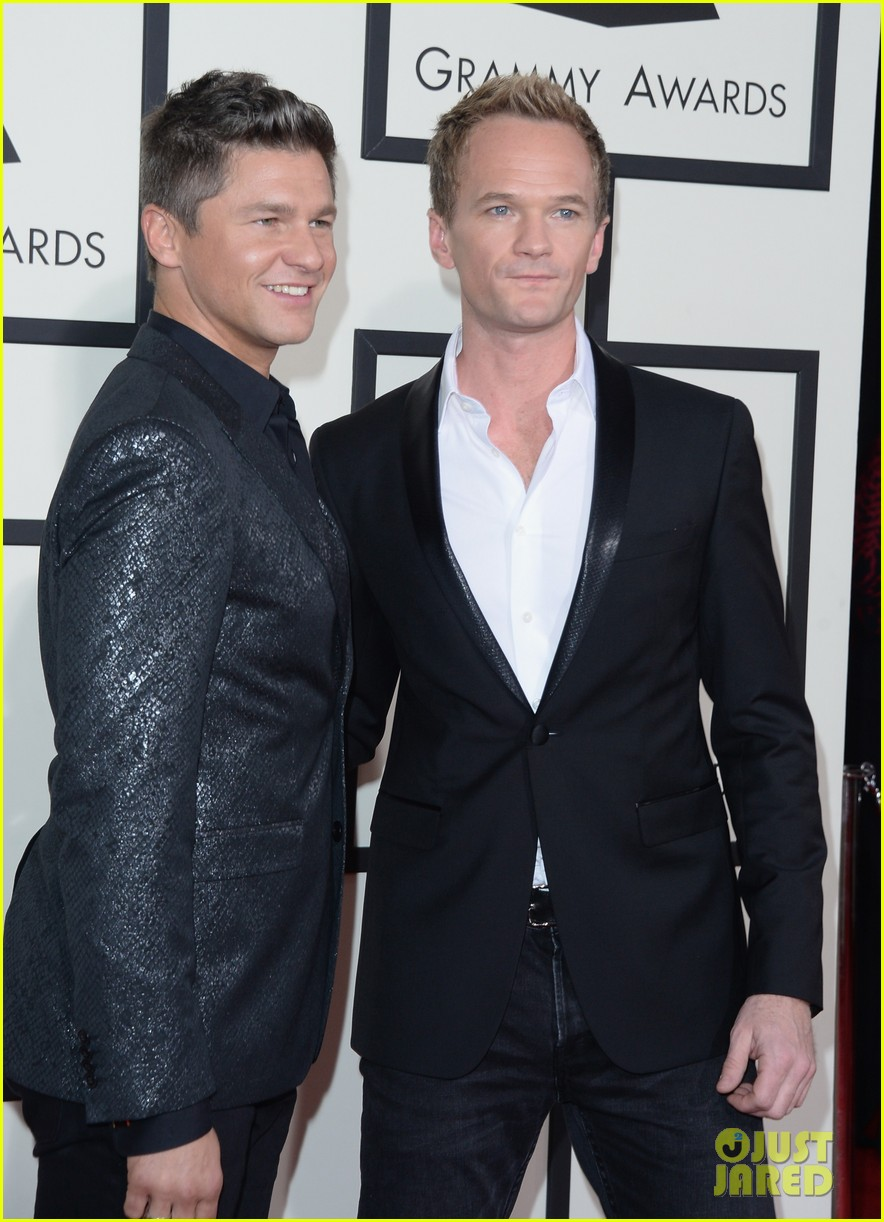 neil patrick harris grammys 2014 with david burtka 01