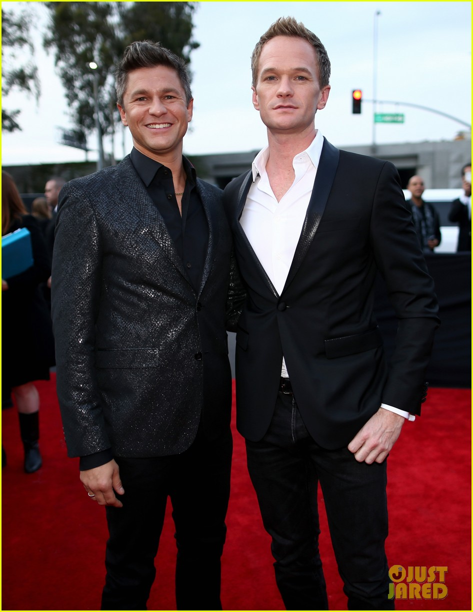 neil patrick harris grammys 2014 with david burtka 06