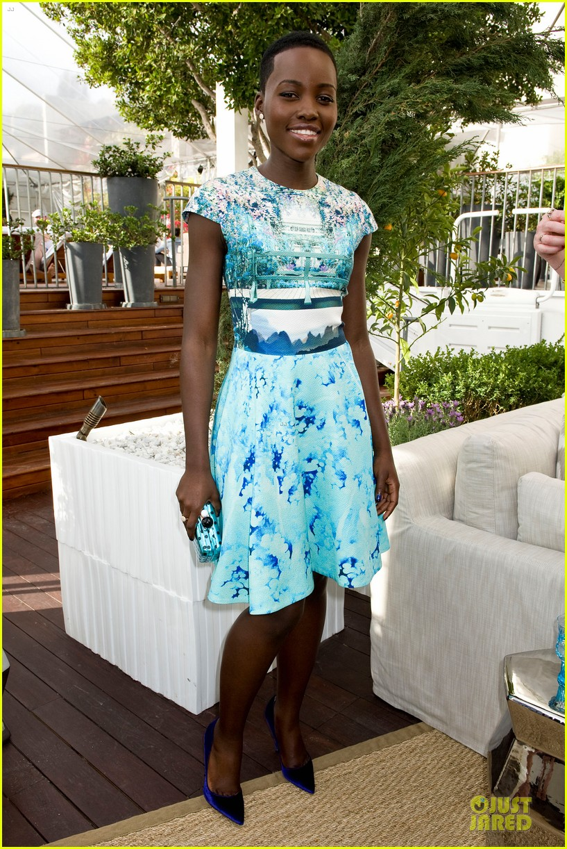 lupita nyongo dujour cover party with michelle dockery 03