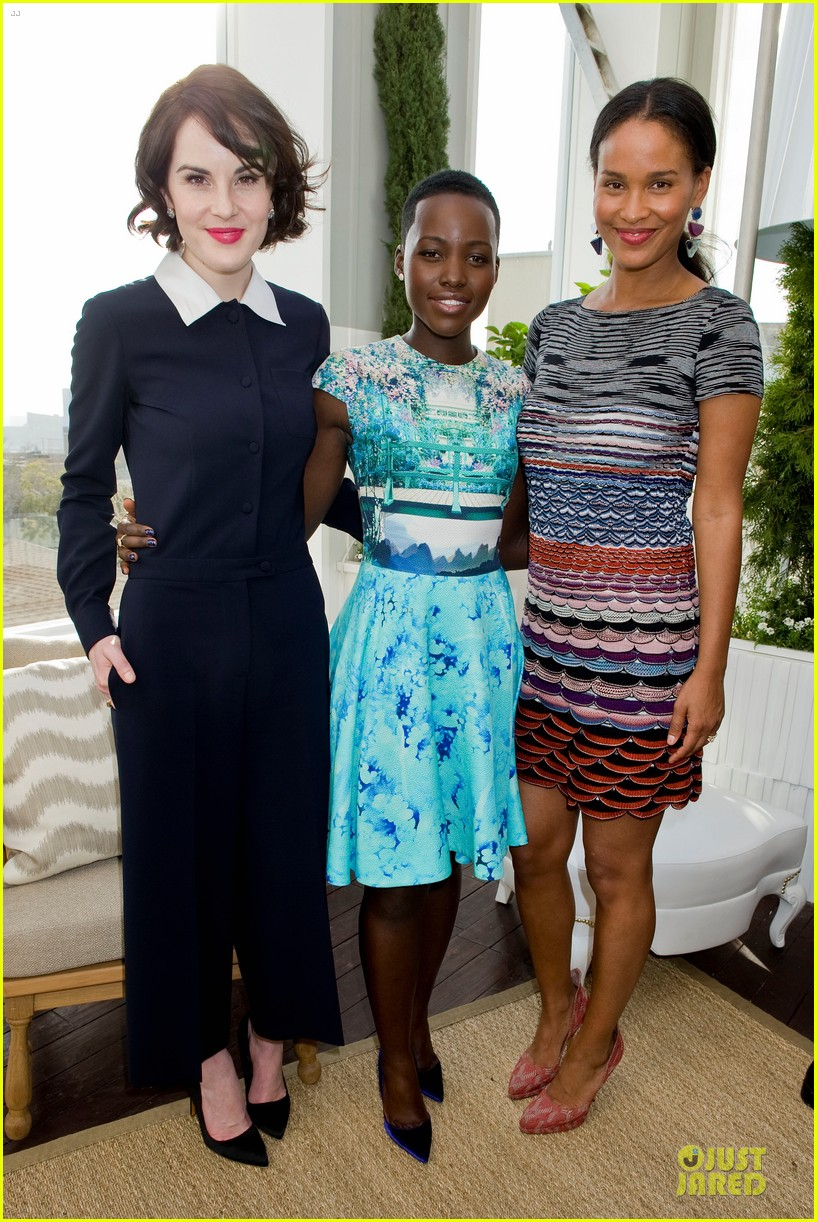 lupita nyongo dujour cover party with michelle dockery 15