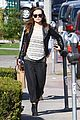 olivia wilde baby bumpin beauty salon 06
