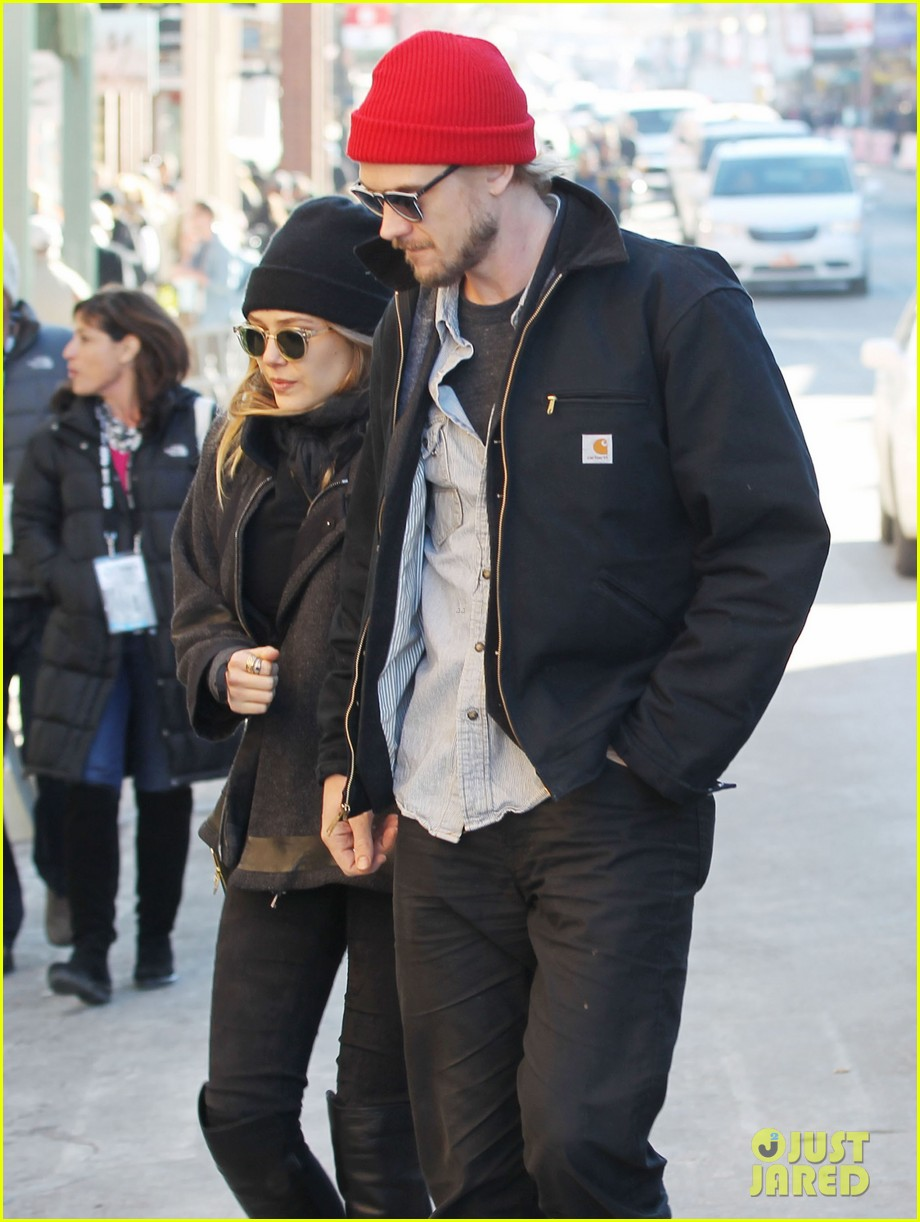 elizabeth olsen hangs with boyd holbrook at sundance 023036395