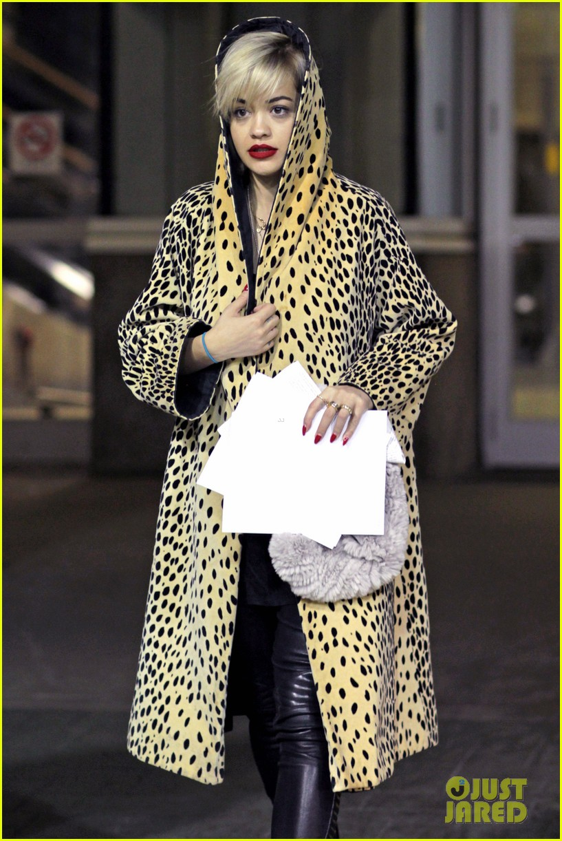 rita ora flies to vanouver to begin fifty shades of grey 04