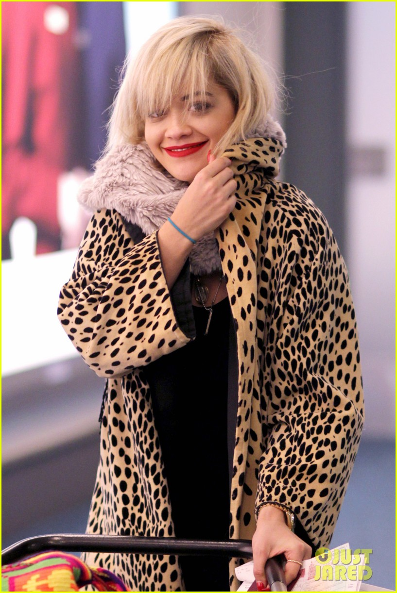 rita ora flies to vanouver to begin fifty shades of grey 06