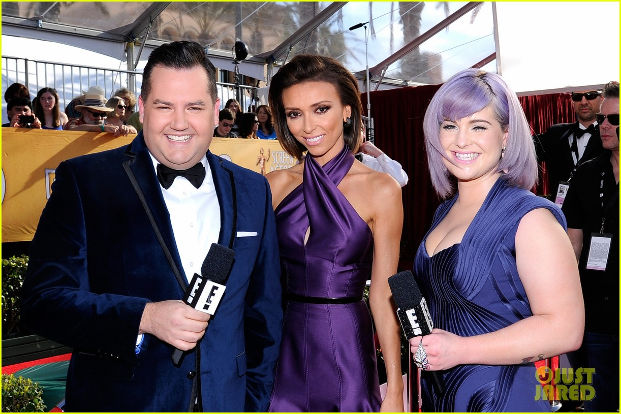 kelly osbourne giuliana rancic sag awards 2014 red carpet 023034500