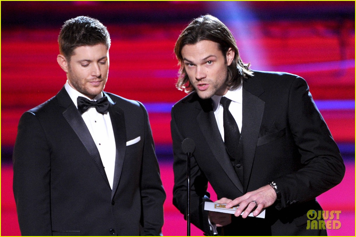 jared padalecki jensen ackles critics choice awards 2014 083033038